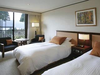 小田急 山のホテル 全室芦ノ湖側に面した客室のひとつ「スタンダードツイン」