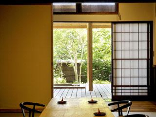 強羅花扇 早雲閣 天然木に囲まれた空間に源泉掛流し露天風呂を備えた客室