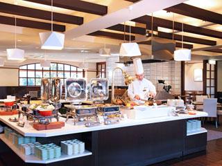 箱根ホテル小涌園 ビュッフェ、和食、寿司割烹、フランス料理、鉄板焼など多彩なレストランをご用意