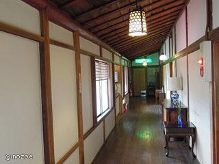 美肌の湯 きのくにや 別館は本館よりもグレードをアップさせた「遊仙観」のほか、にごり湯の露天風呂がある「離れ」もあります。