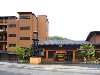 かがり吉祥亭 四季折々の美しさに染まる鶴仙渓の絶景ロケーションと芭蕉の愛した天然温泉。