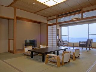 加賀屋グループ 虹と海 お部屋から見える能登島の眺めは、まるで風景画のような美しさです