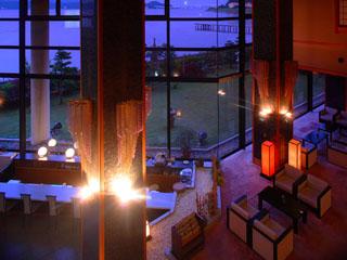 宿守屋寿苑 海を眺めながら時間が過ごせるラウンジ