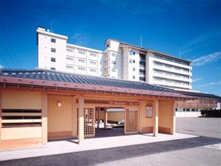 宿守屋寿苑 寄付門をくぐり抜けると宿屋風情の回廊が続き、全客室・大浴場とも海に面した彩り豊かな海の和風館でございます。