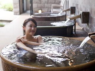 まつや千千 女性のお風呂は、バラエティ豊かな露天風呂