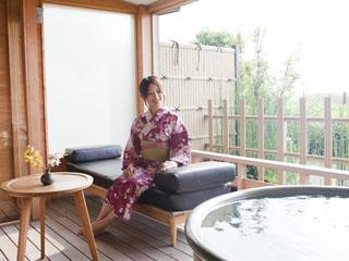 まつや千千 露天風呂付客室イメージ。誰にも邪魔されない自分だけの贅沢空間を