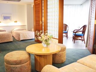 フジプレミアムリゾート 66平方メートルと広々とした客室(ホテルスポルシオン)