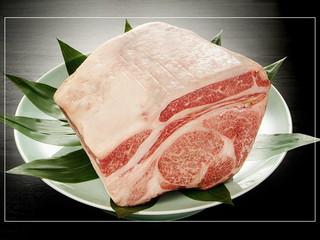 湖山亭うぶや 食事は会席料理。A5等級黒毛和牛を使ったお肉のコースを多数ご用意しております
