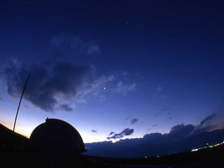 ロイヤルホテル 八ヶ岳(旧:大泉高原八ヶ岳ロイヤルホテル) 天体ドームでは、満天の星空を堪能できます