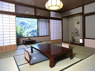 湯元齋藤旅館 介山荘客室
