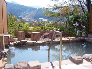 野沢グランドホテル 「天下の名湯」と呼ばれる「真湯」の源泉をかけ流した展望露天風呂