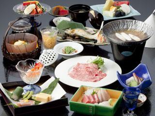 川上屋花水亭 季節毎心をつくした料理をご用意します