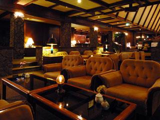 穂高荘山のホテル ロビー
