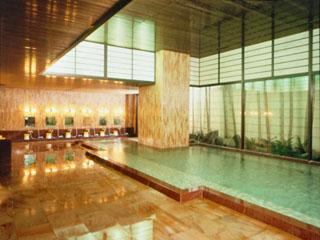 熱海ニューフジヤホテル 二つの異なる源泉より引湯。豊富な湯量が自慢の大浴場です
