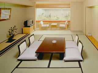熱海ニューフジヤホテル 和室の一例です。お部屋タイプは宿任せ、ご人数様に合わせた広さでご用意します