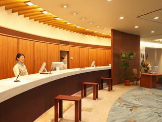 ホテルウェルシーズン浜名湖 スタッフ一同、皆様を笑顔でお待ちしております
