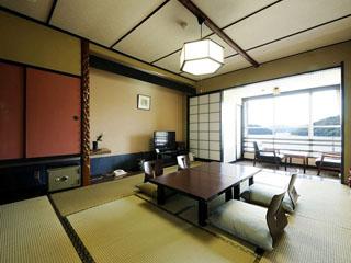 ホテル鞠水亭 客室は全室レイクビュー。ご予算にあわせて和室、特別室、和洋室がございます