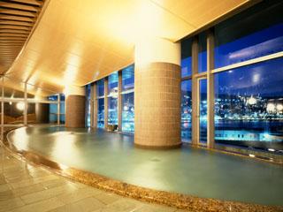 熱海後楽園ホテル 相模湾と熱海の夜景を一望できる「海望の湯」