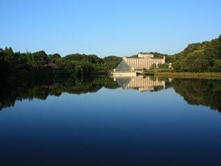 青山高原リゾート ホテルローザブランカ 大阪、京都、名古屋から1時間半。駅から5分のリゾート