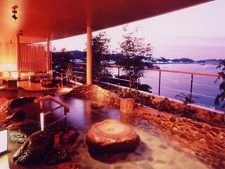 鳥羽シーサイドホテル 壮大な風景が目の前に広がる大浴場「風見の湯」