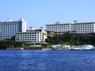 鳥羽シーサイドホテル 絶景の鳥羽湾が一望できる3種類の露天風呂を備えた近代和風大浴場「風見の湯」など、多彩なお風呂をご堪能ください。