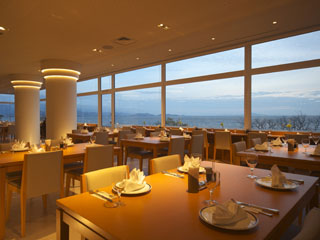 ホテル&リゾーツ 長浜(旧:長浜ロイヤルホテル) びわ湖を眺めながら朝食を