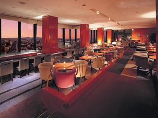 ホテルグランヴィア京都 昼はダイニング、夜はピアノライブや夜景が楽しめるバーラウンジ
