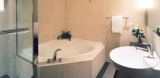 新・都ホテル サウスウィングラグジュアリールーム バスルーム
