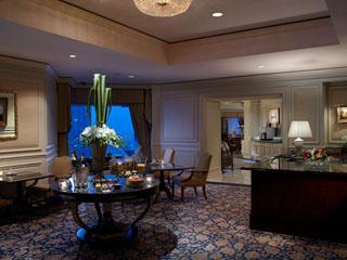 ザ・リッツ・カールトン大阪 「ホテルの中のホテル」と呼ばれるクラブフロアはきめ細やかなおもてなしを約束