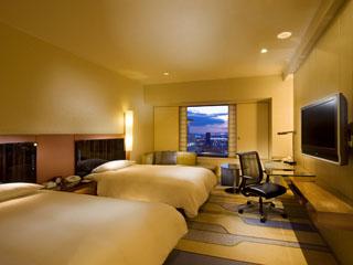 ヒルトン大阪 525の客室はゆったりしていて眺望も素晴らしい