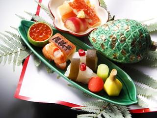 ホテルモントレ ラ・スール大阪 旬の食材を使用した逸品と彩り鮮やかなひと品が人気です