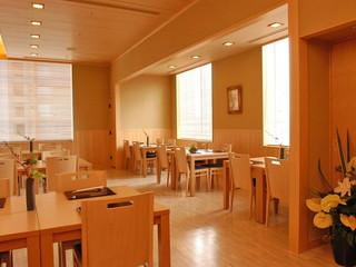 ホテルモントレ ラ・スール大阪 数寄屋造りの落ち着いた店内でおくつろぎ下さい。