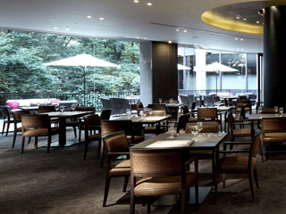 リーガロイヤルホテル 「オールデイダイニング リモネ」の朝食ビュッフェは、和洋の多彩な料理が人気
