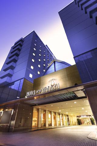 大阪新阪急ホテル 阪急・地下鉄梅田駅に直結し、JR大阪駅から徒歩2分。