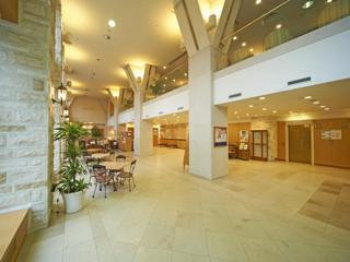 ホテルサンルートソプラ神戸 エッフェル塔や凱旋門と同じ素材を直輸入。柱壁床に使用