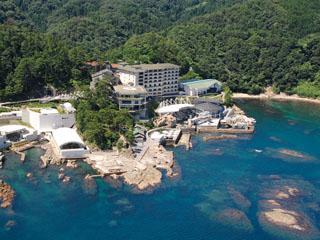 ホテル金波楼 美しく表情を変える日本海と目を奪う海岸美。自然の恵みを庭と望み日本旅館の粋を極めたホテル金波楼。