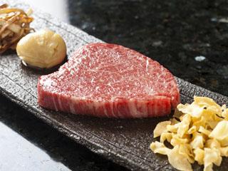 神戸ベイシェラトンホテル&タワーズ 神戸牛をはじめ、地元の食材を使った極上メニュを堪能