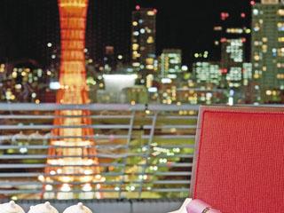 神戸メリケンパークオリエンタルホテル 神戸ポートタワーをはじめ、神戸の街の夜景が目の前に広がる中国料理「桃花春」
