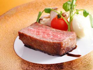 西村屋ホテル招月庭 新レストランRiccaで味わう但馬牛熟成肉の炭火焼