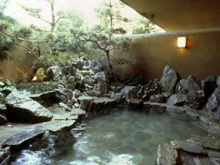 淡路インターナショナルホテル・ザ・サンプラザ 露天風呂、サウナ、打たせ湯、気泡湯と充実した大浴場