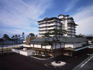 華水亭 どのお部屋からも雄大な日本海の四季折々の風情がお楽しみいただけます(洋室と大部屋は除く)。