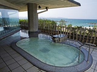 皆生グランドホテル天水 遙か遠くまで日本海が見渡せる展望露天風呂