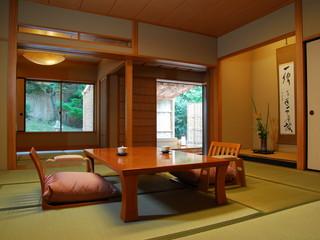 星野リゾート 界 出雲 全室に檜または信楽焼の露天風呂を備えた純和風客室