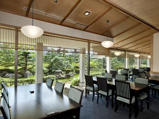 ANAクラウンプラザホテル広島 日本料理をはじめ、中国料理、ブッフェ、フレンチ、鉄板焼とレストランも充実