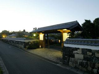 萩城三の丸 北門屋敷 白壁の町並み続く萩城三の丸。毛利屋敷跡に建つ