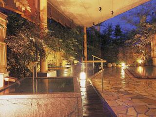 道後プリンスホテル 露天風呂や大浴場等館内で湯巡りが楽しめる「三千のゆ」