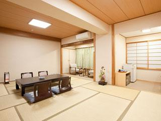 高知城下の天然温泉三翠園 ゆっくりとくつろげる広々とした和室(一例)