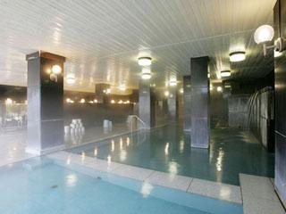 和多屋別荘 天然御影石と檜を用いた、源泉100%の大浴場