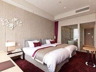 ホテルオークラJRハウステンボス 小坂竜氏監修のプレミアムデザイナーズルームは、滞在中の時間をより刺激的に演出
