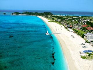 オクマプライベートビーチ&リゾート(旧:JALプライベートリゾートオクマ) 約1kmも続くふわふわ天然浜のビーチ